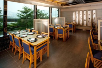 03_Sagano_Dining_Hall_m