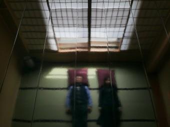 3_aeru-room漆塗りの天井_web